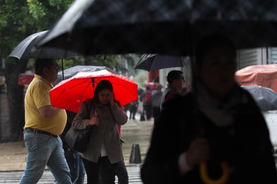 ¡Carga el paraguas! Se esperan lluvias fuertes en el Valle de México