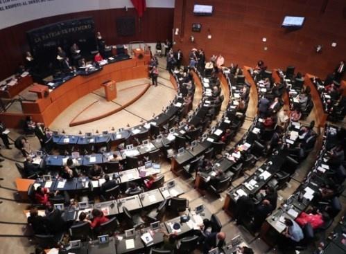 Senadores piden a Barbosa que se disculpe
