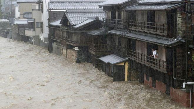 Deja ya dos muertos el tifón Hagibis en Japón