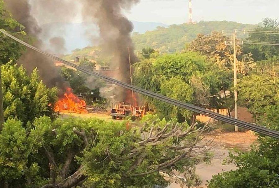 Emboscada contra policías en Michoacán deja 14 muertos
