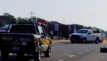 Choque de tráiler y ambulancia deja seis muertos en Yucatán