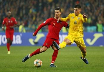 Ucrania vence a Portugal y clasifica a la Euro 2020; CR7 llega a 700 goles
