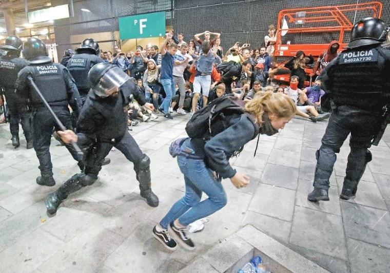 Condena a 12 catalanes reaviva crisis soberanista de hace dos años