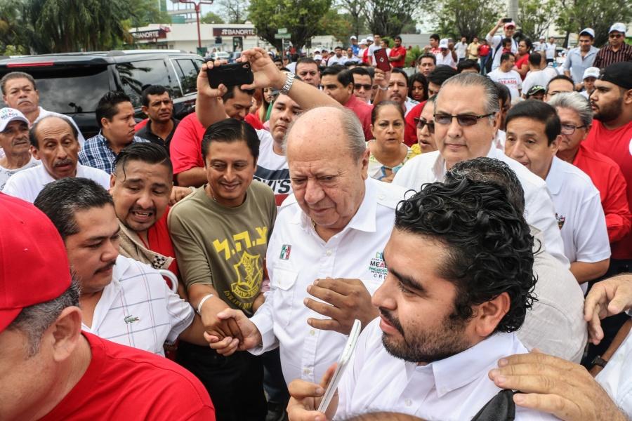 AMLO prevé salida de Romero Deschamps del sindicato petrolero