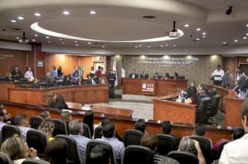 Entregan Ley Bonilla al Ejecutivo estatal para su publicación