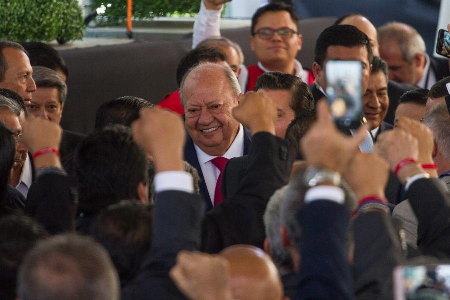 Romero Deschamps presentó su renuncia como líder del sindicato petrolero