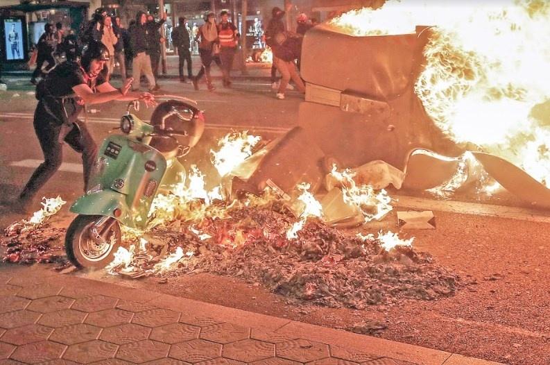 Violencia desborda Cataluña en segundo día de protestas