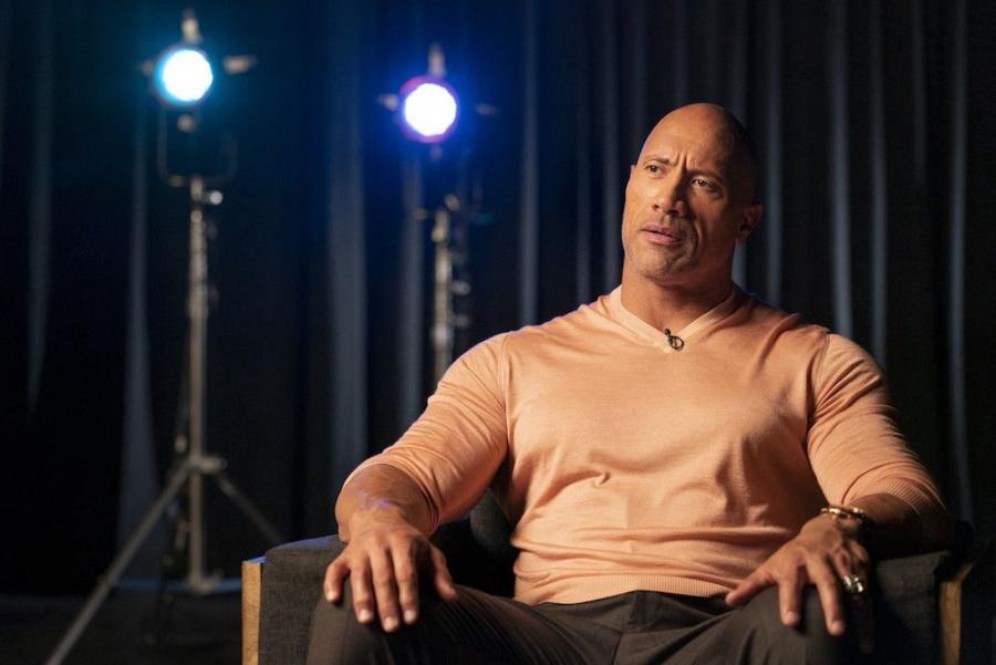 Dwayne Johnson pesa más de 120 kilos