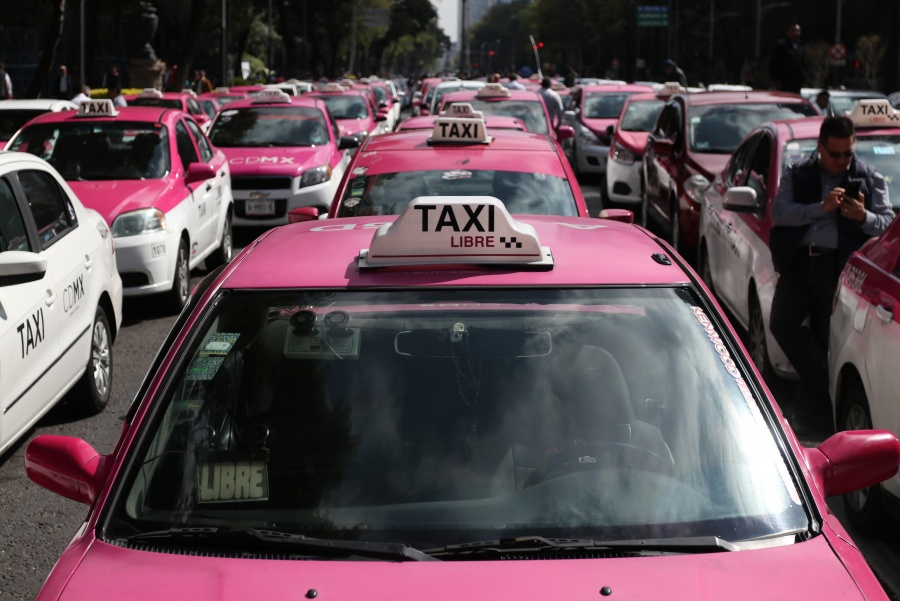 Grupos infiltrados anunciaron supuesta marcha para el lunes, afirman taxistas
