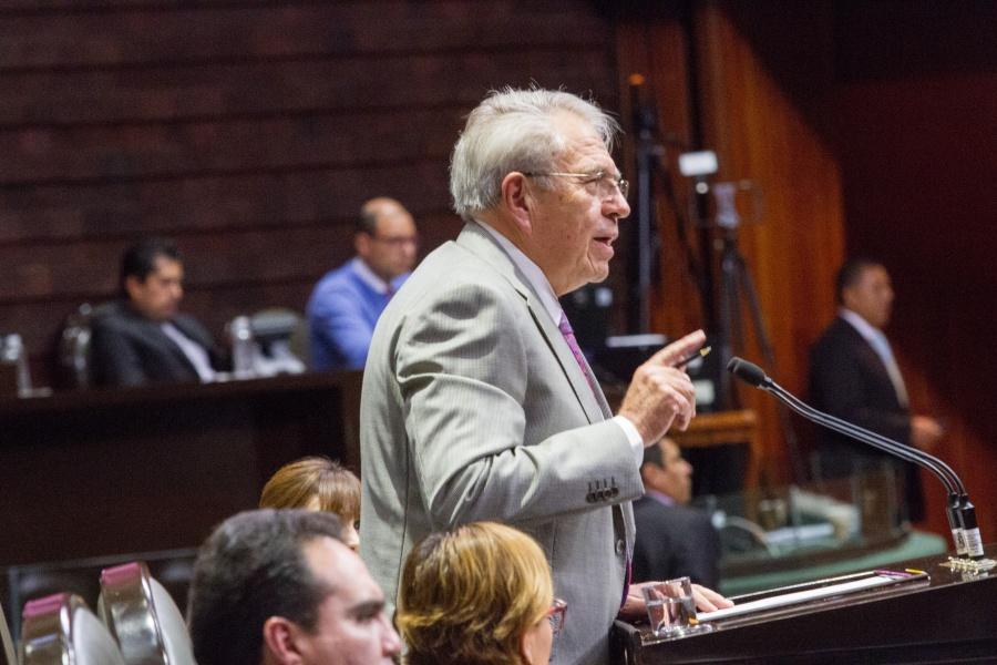 Diputados tunden a Jorge Alcocer por desabasto de medicamentos