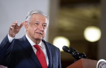 Celebra AMLO renuncia de Romero Deschamps; inicia una nueva etapa