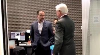 Así fue el momento en el que Javier Lozano niega el saludo a Jaime Bonilla