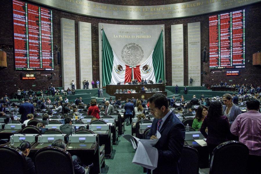 Aprueba la Cámara de Diputados la Ley Federal de Derechos; remite el dictamen al Senado