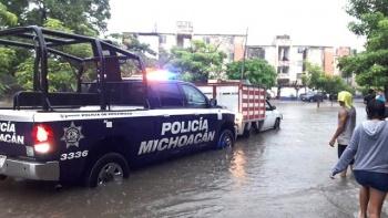 Inundaciones en Lázaro Cárdenas Michoacán, por fuertes lluvias