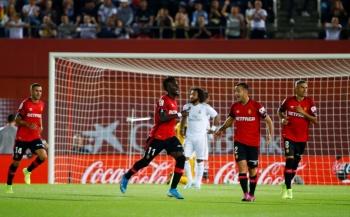 Un Real Madrid gris cae ante el Mallorca y pierde el liderato en LaLiga