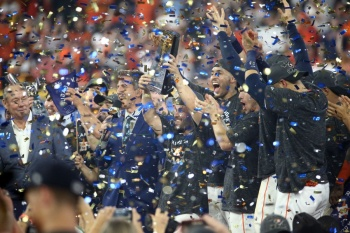 Astros de Houston avanzan a la Serie Mundial