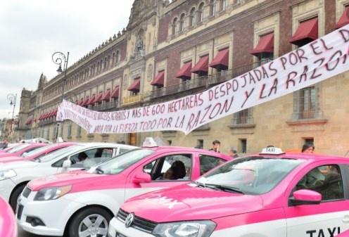 Tras negociación, taxistas cancelan bloqueo