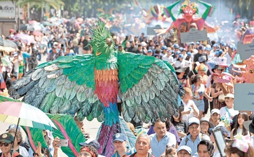 Toman Reforma 231 alebrijes; alistan desfile de Catrinas