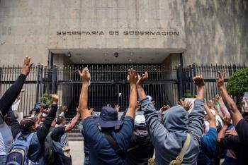 Habitantes de Teotihuacaacuten y Tecaacutemac se encuentran en los accesos a la Secretariacutea para denunciar actos de nepotismo y corrupcioacuten