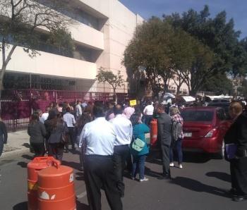 Luego de una revisioacuten por parte de la policiacutea de la Ciudad de Meacutexico que no halloacute artefacto alguno