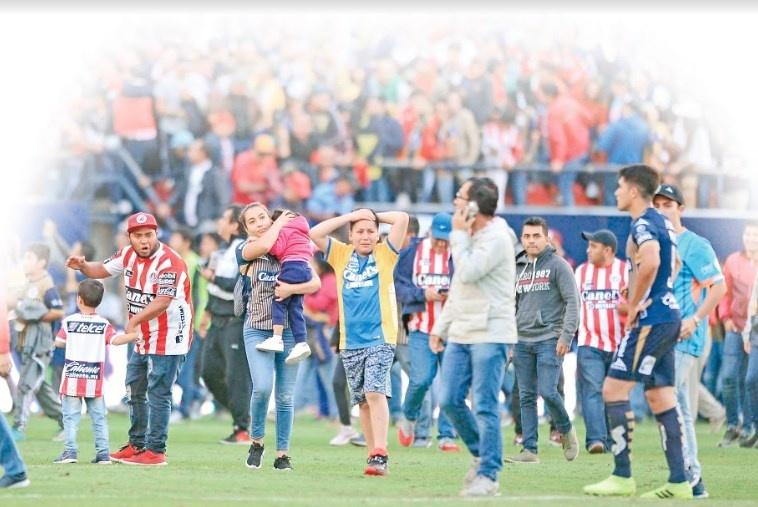 En 23 años de barras en México, el futbol se opaca con violencia