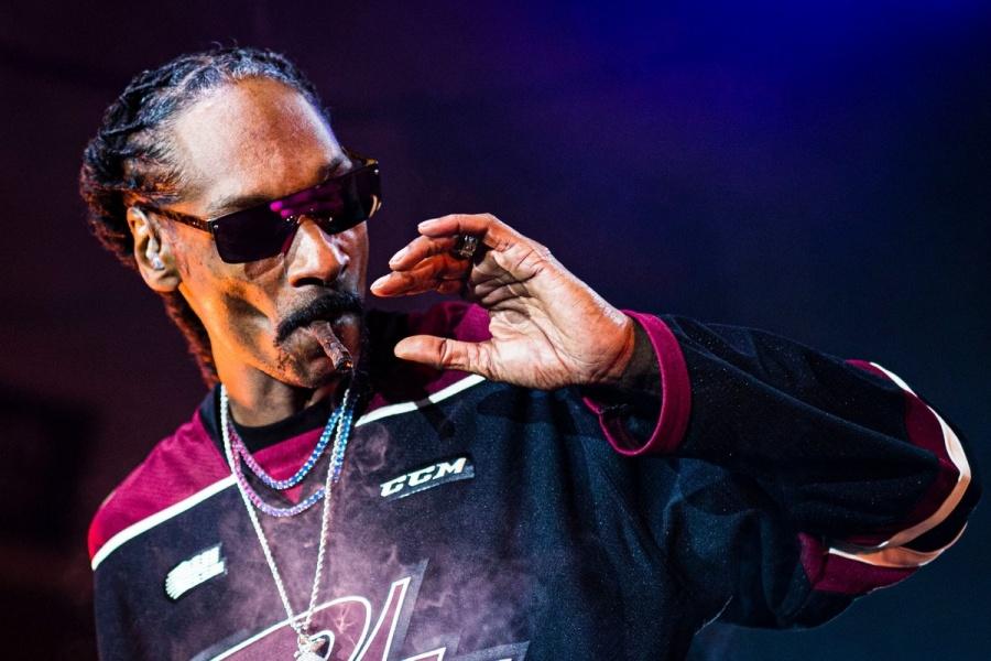 Snoop Dogg celebra su 48 cumpleaños con 48 porros