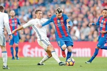 Cristiano y Messi lideran lista de nominados al Balón de Oro