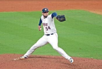 El mexicano Osuna encabeza a latinos en la Serie Mundial