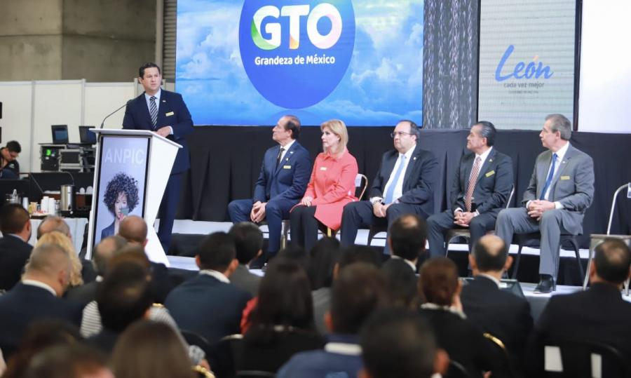 Reitera gobernador de Guanajuato compromiso de apoyar al sector cuero-calzado