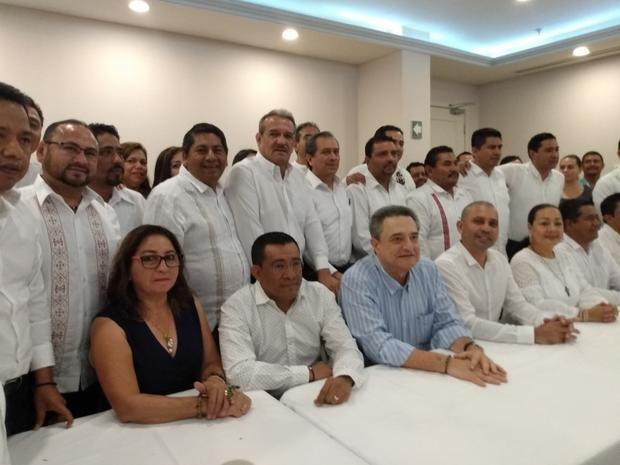 21 alcaldes de Chiapas se suman a las filas de Morena