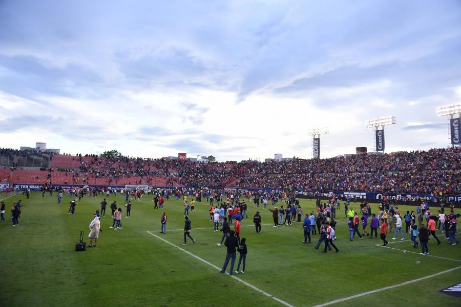 Estadio Alfonso Lastras, vetado dos partidos tras actos de violencia