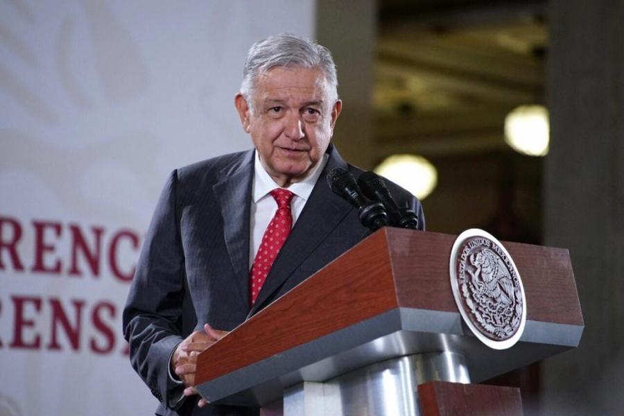 """Acusa AMLO """"derroche"""" en municipios; rechaza recorte presupuestal"""