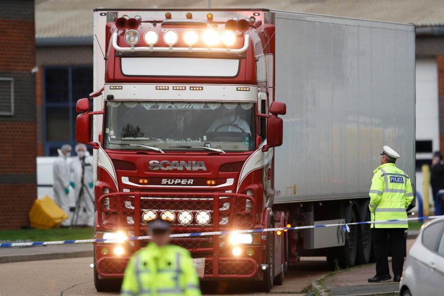 Confirman nacionalidad china de cadáveres hallados en tráiler en Inglaterra