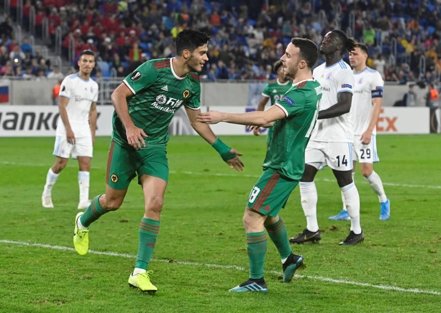 Raúl Jiménez da la victoria al Wolverhampton en la Europa League