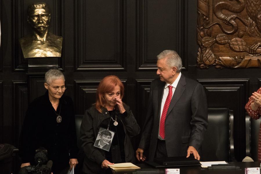 Asume AMLO compromiso con Rosario Ibarra; se hará todo para encontrar a los desaparecidos