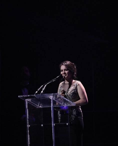 Sarita Sosa reaparece en homenaje a José José con vestido de gala y bailando