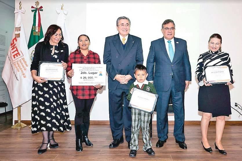 Sindicato de Maestros ratifica convenio a favor de los Derechos Humanos de Docentes