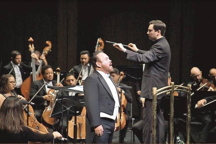 Javier Camarena homenajea a José José en la Alhóndiga De Granaditas