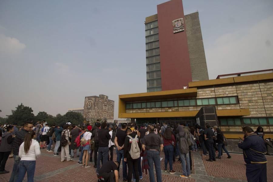 Trabajadores de la UNAM protestan en Rectoría