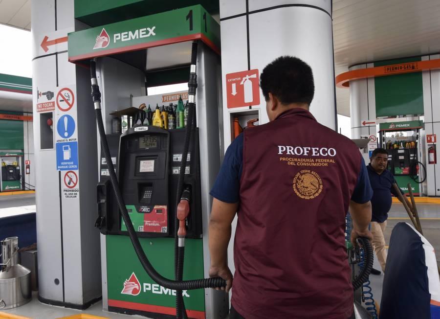 Pagarán a dueños de autos que cargaron gasolina con agua