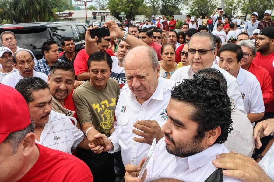 Dice AMLO desconocer si Romero Deschamps se fugó del país