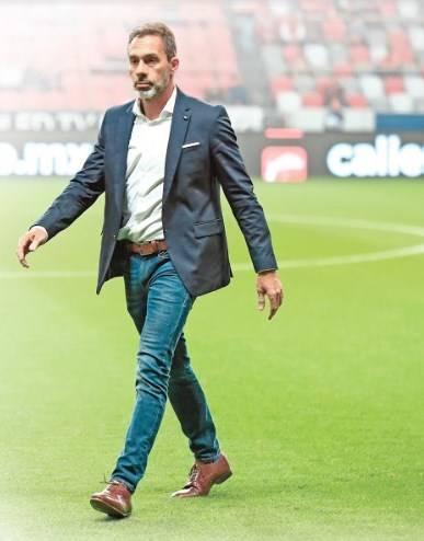 Piden despido de Matosas desde Madrid para no afectar al equipo