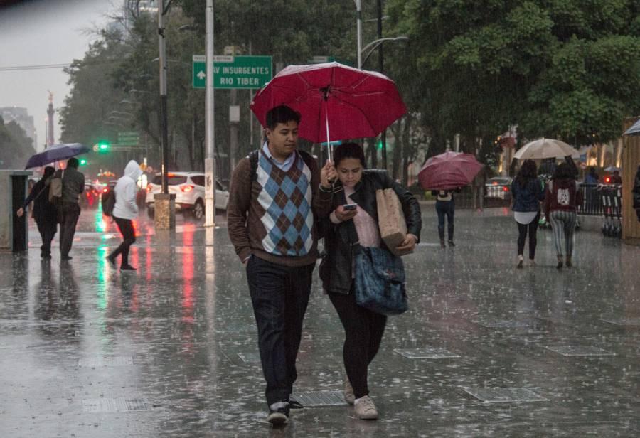 ¡Alista el paraguas! Prevén tarde lluviosa en el Valle de México