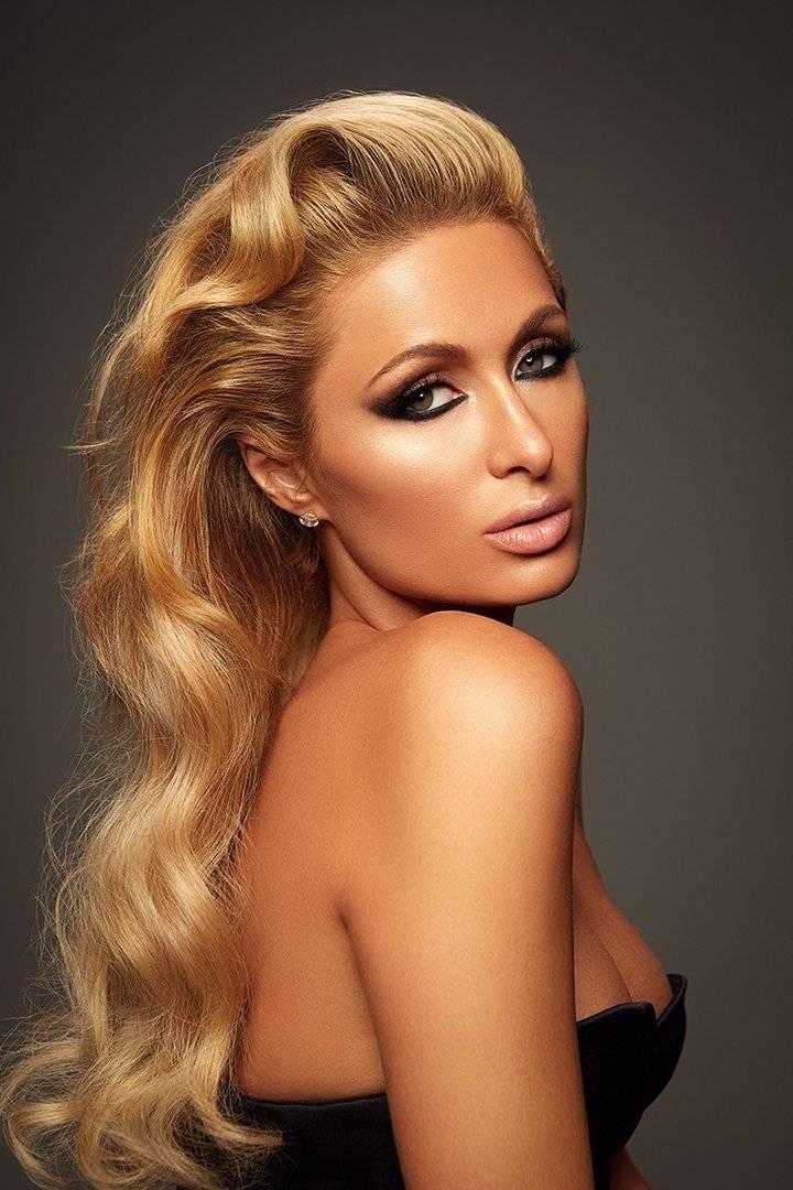 Paris Hilton aún conserva cien chándales de Juicy Couture y sigue usándolos