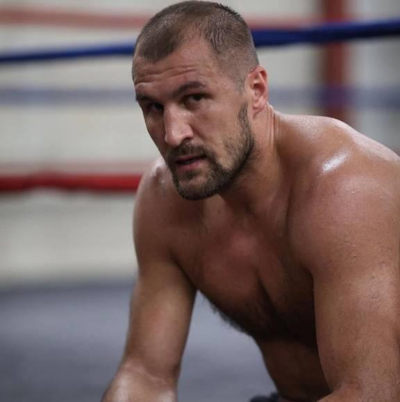 """Él es Sergey Kovalev, rival del """"Canelo"""""""