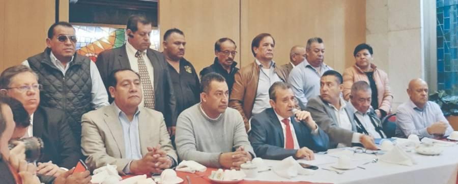 Taxistas dan ultimátum; amenazan con más bloqueos