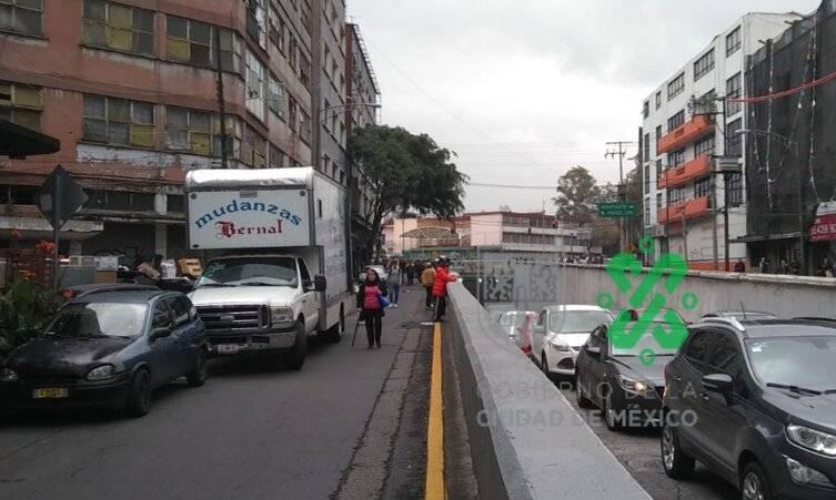 Bloquean Puente de la Morena tras desalojo de edificio