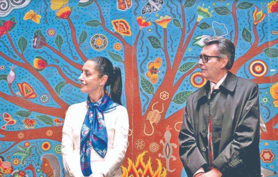 Con obra hecha de 6 millones de chaquiras impulsan arte huichol