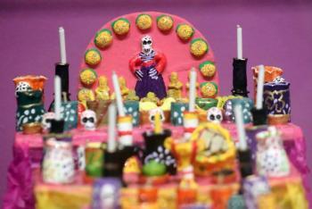 Estos son los artículos que lleva la ofrenda del Día de Muertos