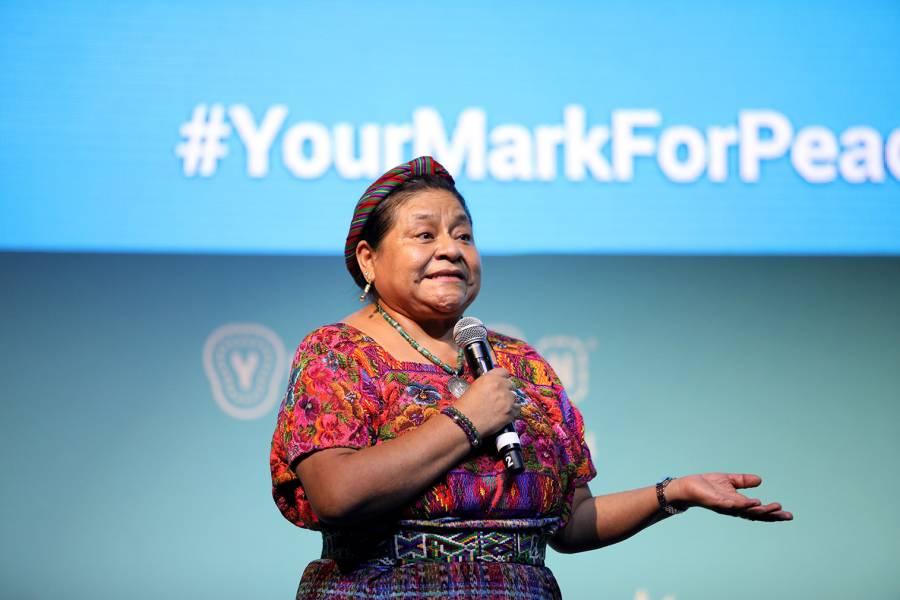 Rigoberta Menchú pide una Constituyente para Chile